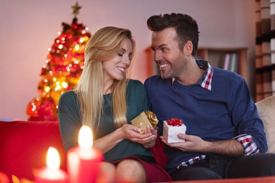 Julegaver til kæresten - Få ideer til både ham, hende og