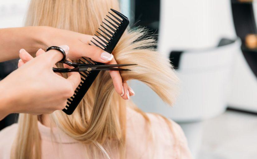 Send kæresten til makeover hos den lokale frisør